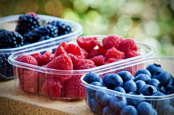 soft-fruits-3504149_1280.jpg